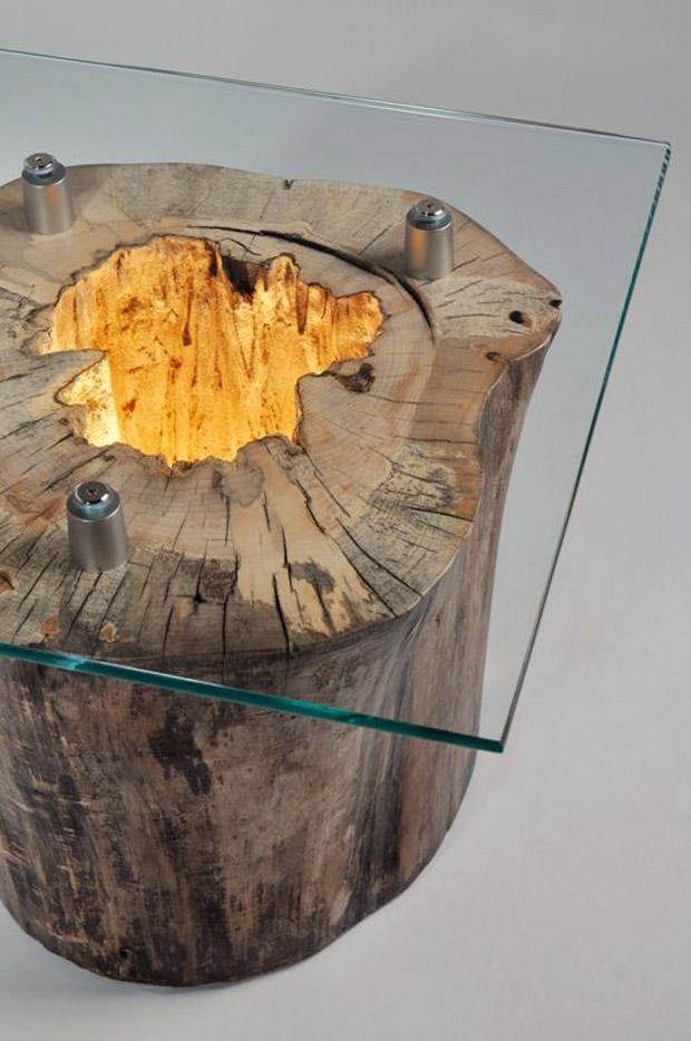 Table décorative fabriquée à partir d'une vieille souche