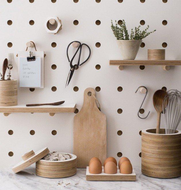 Planche pratique et fonctionnelle pour le rangement des articles de cuisine