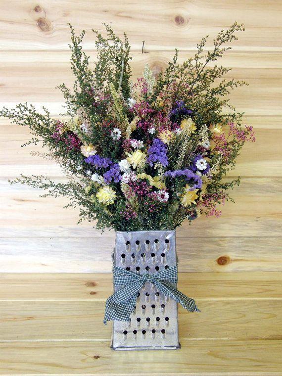 A un beau bouquet, un beau vase.