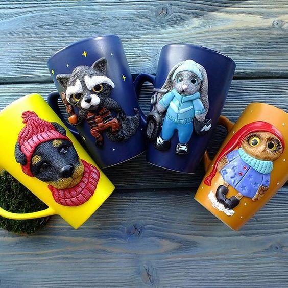 Utilisez des mugs lumineux et originaux. Avec eux, vous serez toujours de bonne humeur.