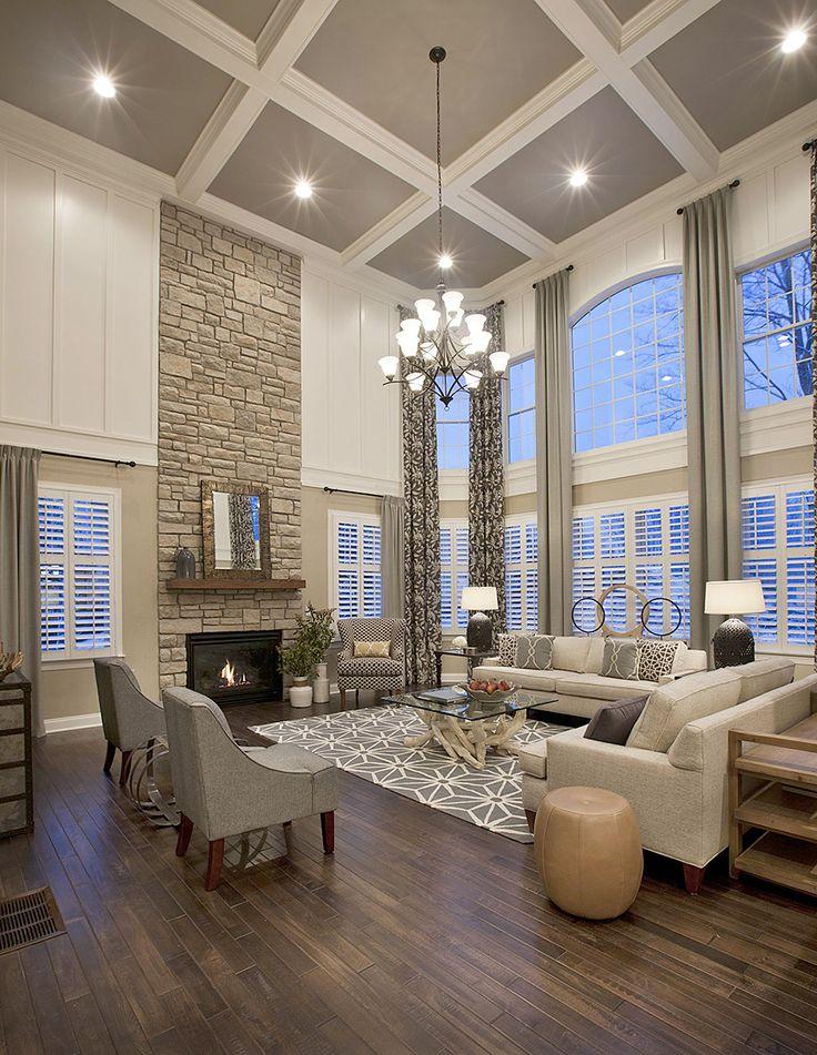 Cheminée de luxe dans un intérieur moderne