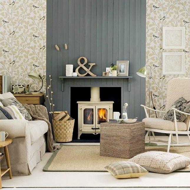 Même une cheminée de petite taille peut contribuer à créer un intérieur confortable et chaleureux.
