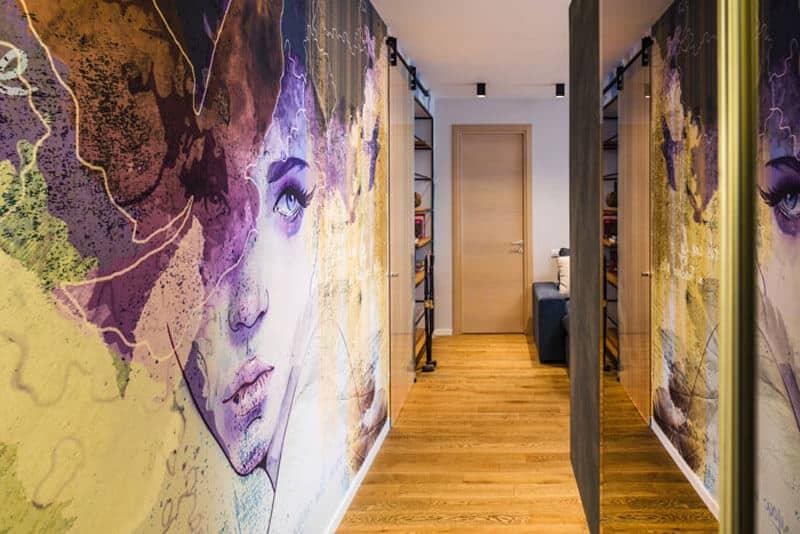 Même un mur de béton froid et sans visage peut être transformé en une véritable œuvre d'art.