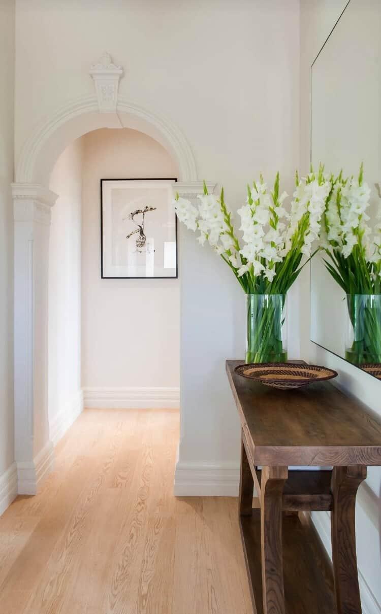Les ouvertures en forme d'arc confèrent à l'intérieur un aspect spectaculaire et un style individuel.