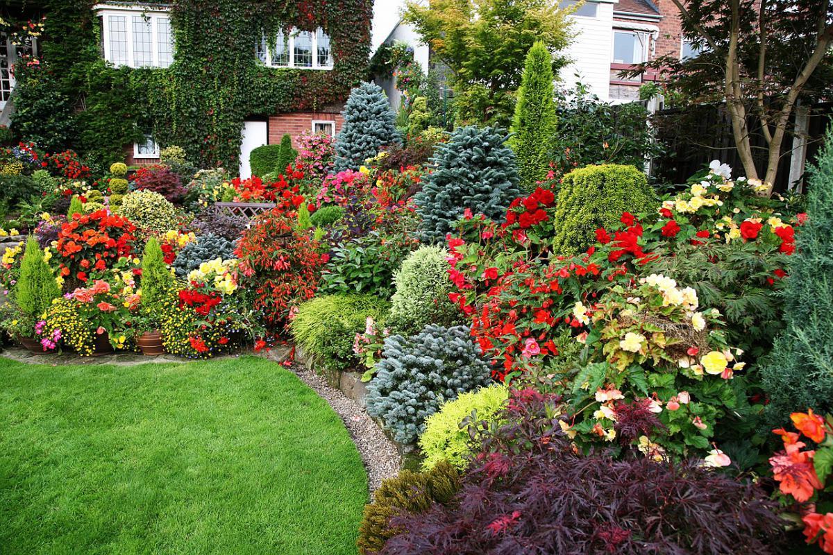 Un beau jardin de style anglais sera un ornement pour n'importe quelle maison.