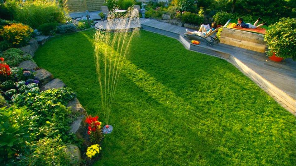 Une seule buse d'irrigation rotative puissante est suffisante pour une irrigation de qualité d'une petite surface.