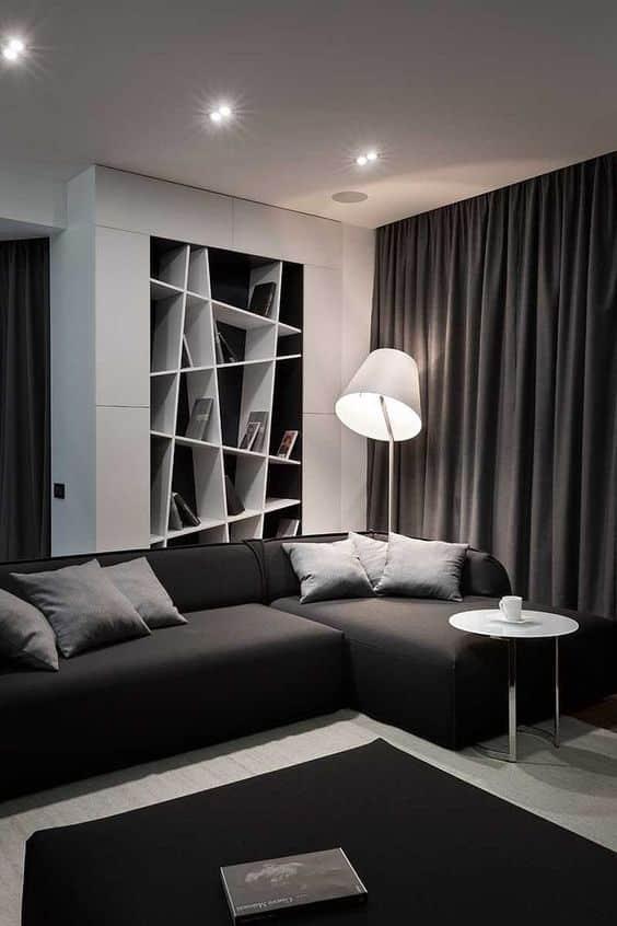 Une lumière chaude et diffuse combinée à des textiles doux crée une atmosphère vraiment confortable.