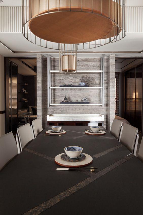 En décorant votre intérieur dans un style minimaliste, essayez d'éviter les touches et les détails inutiles qui peuvent lui nuire.