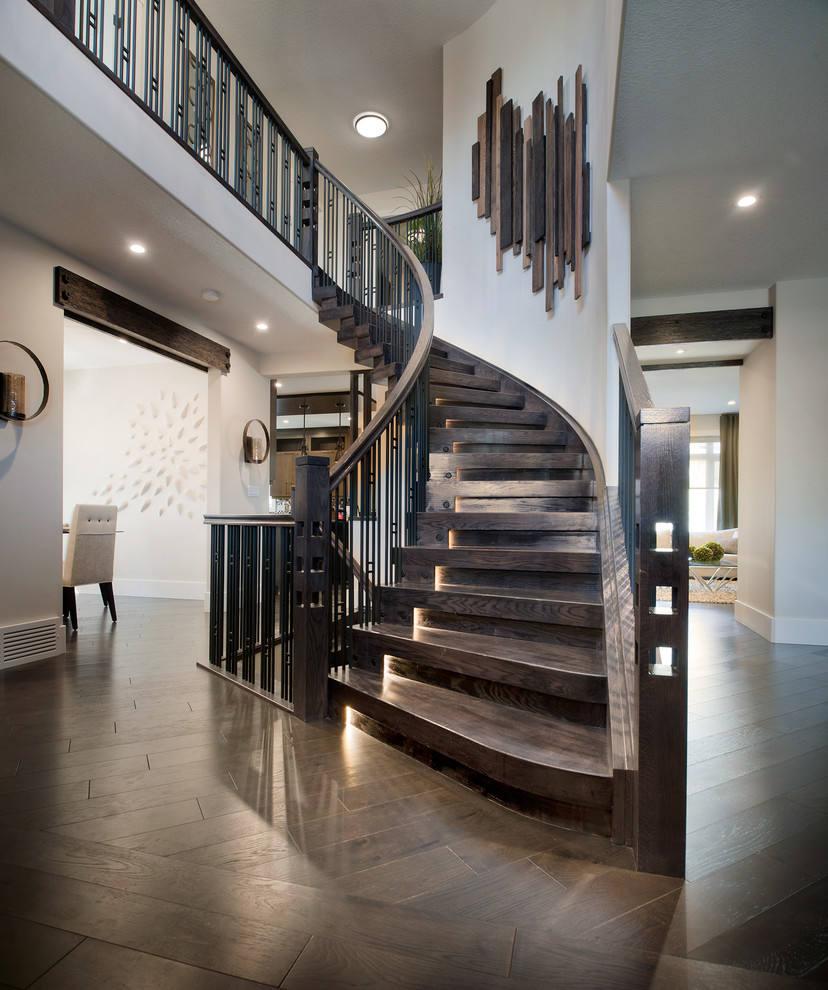 L'escalier est une partie importante de l'intérieur, sa décoration doit donc faire l'objet d'une attention particulière.