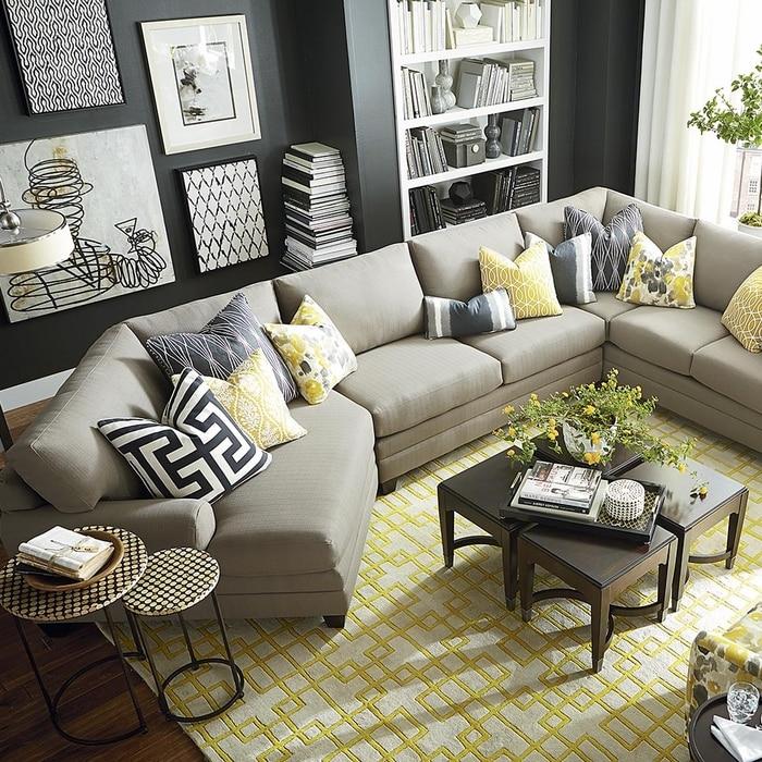 La combinaison parfaite de couleurs dans l'intérieur du salon