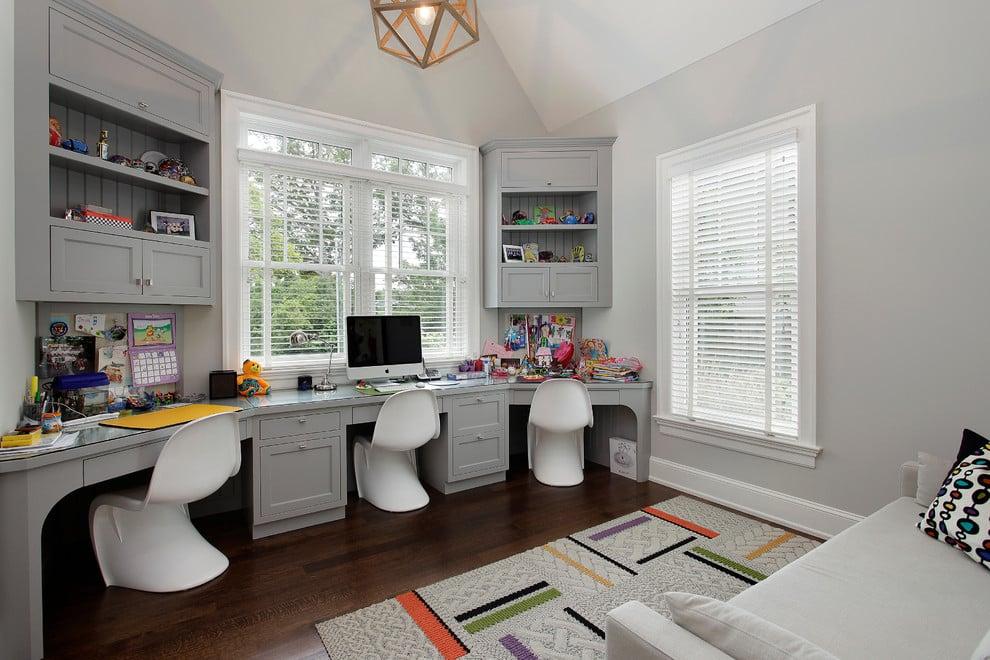 Les tons clairs de gris deviendront également un assistant indispensable lors de la décoration d'une petite pièce, augmentant visuellement sa surface