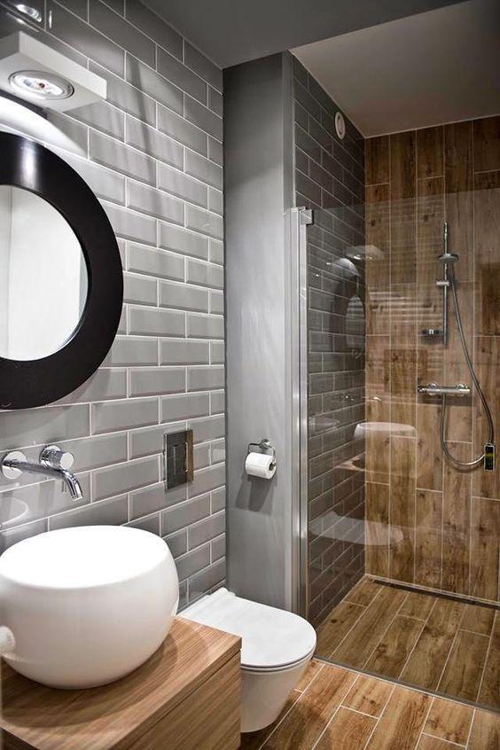 En combinant une salle de bain avec des toilettes, vous pouvez obtenir une augmentation significative de la surface utilisable
