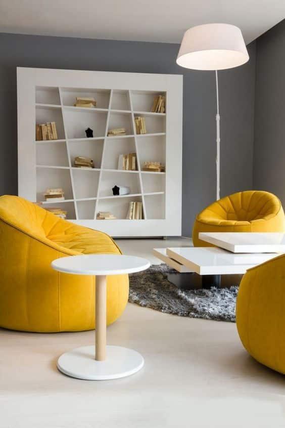 Si vous souhaitez un environnement calme et relaxant, vous devriez opter pour une décoration intérieure monochrome.