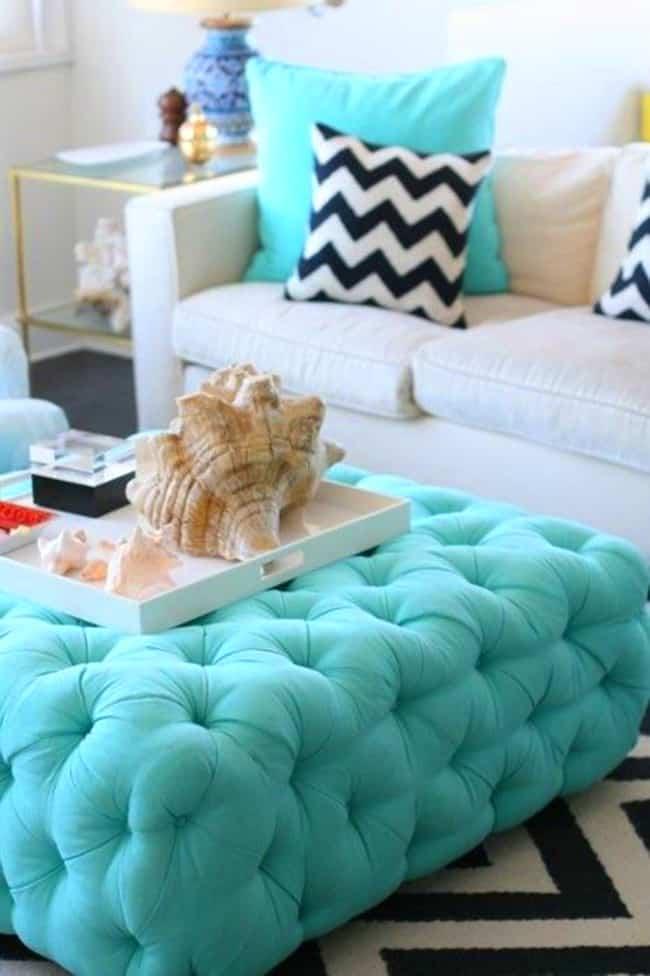 Le bleu et le turquoise sont des couleurs très calmes en soi, mais combinées au blanc, elles sont encore plus divines.