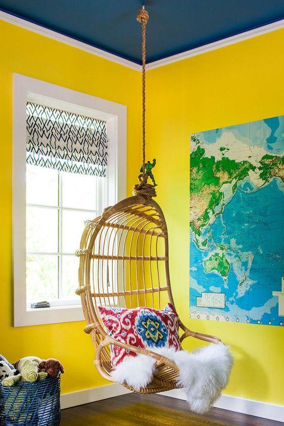 La meilleure couleur pour aller avec le jaune est le bleu.