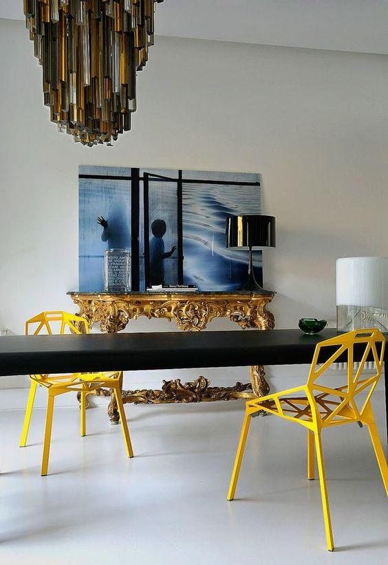 Si vous souhaitez donner un sens à la fête, vous n'êtes pas obligé de peindre les murs en jaune du tout. Il suffit d'acheter des meubles clairs.