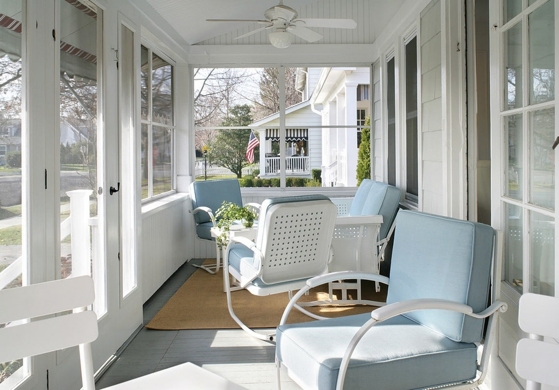 Des coussins lumineux apporteront fraîcheur et confort à l'intérieur.