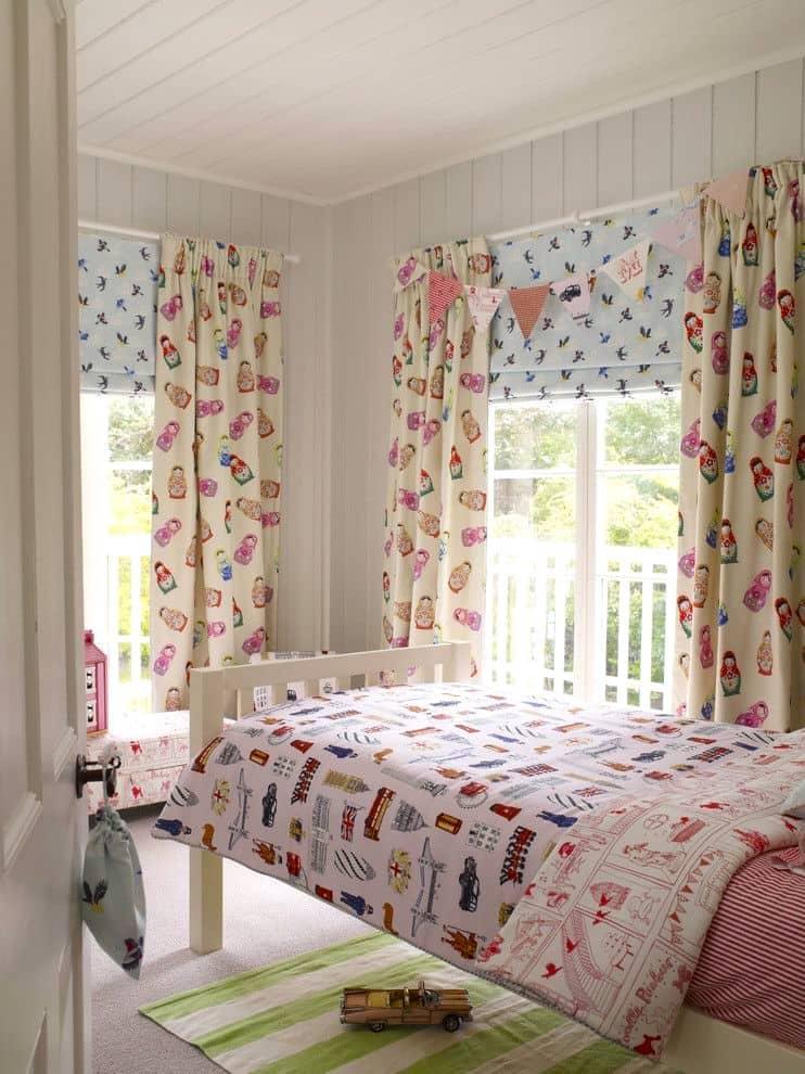 Les textiles aux tons doux confèrent à la décoration intérieure une atmosphère plus tranquille et détendue.
