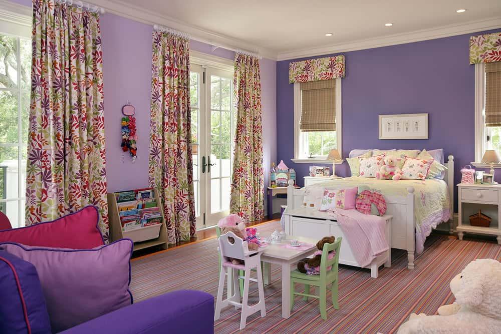 Il ne faut pas opter pour des tissus denses et lourds, il est préférable d'opter pour des rideaux légers et aérés.
