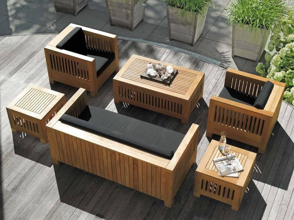 Современная мебель поможет стильно и со вкусом благоустроить придомовую территорию