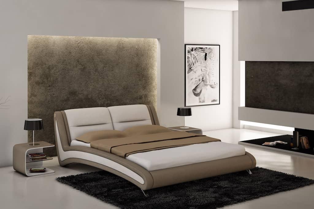 Un éclairage LED doux à la tête du lit créera une atmosphère étonnante de chaleur et de confort dans la chambre à coucher.