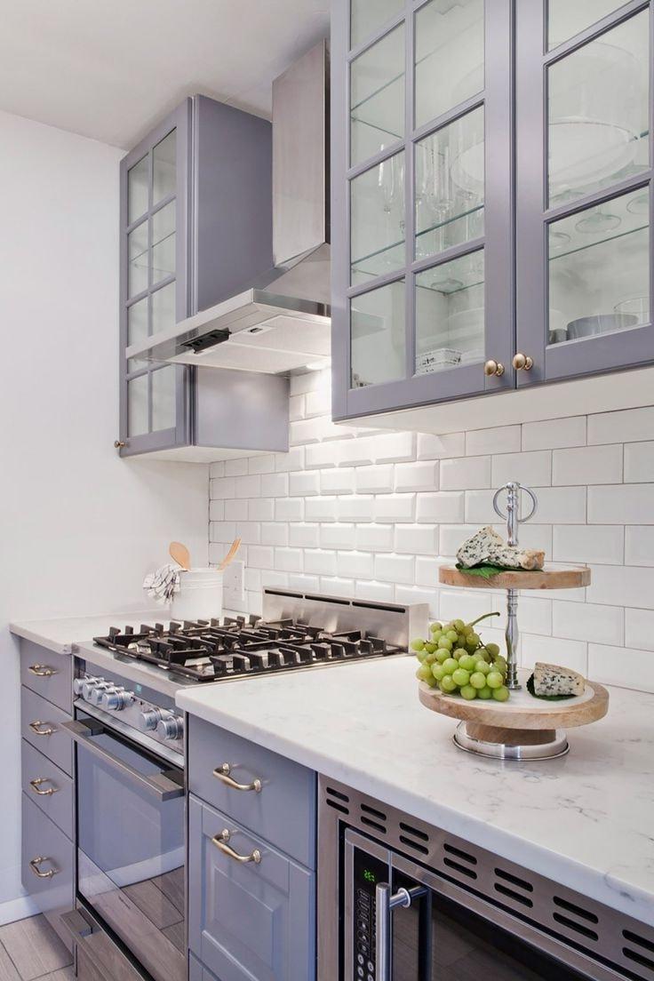 La variété de nuances et de types de carreaux de céramique pour le tablier vous permettra de choisir une option élégante pour votre intérieur