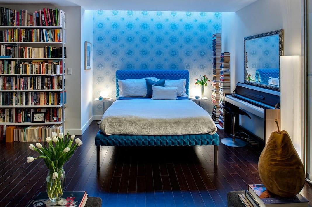 Bien sûr, tout le monde n'acceptera pas d'expérimenter l'éclairage au néon dans la chambre, mais un tel éclairage crée une atmosphère vraiment magnifique et luxueuse.