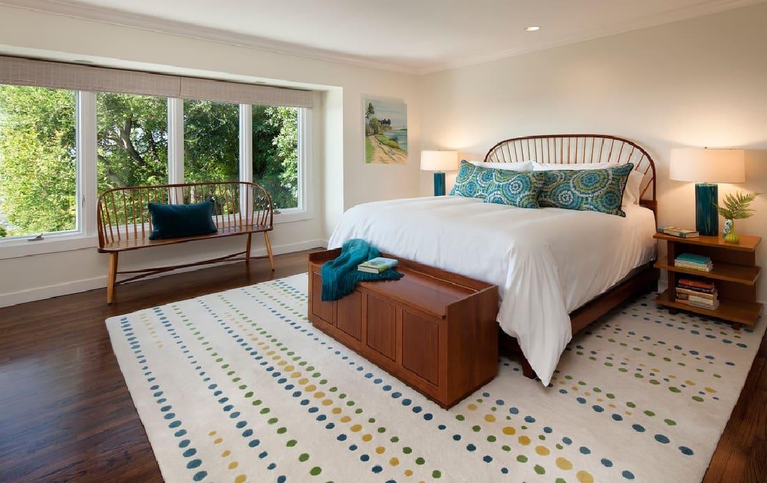 Les meubles en bois s'intègrent parfaitement à l'intérieur de tous les styles, le minimalisme ne fait pas exception