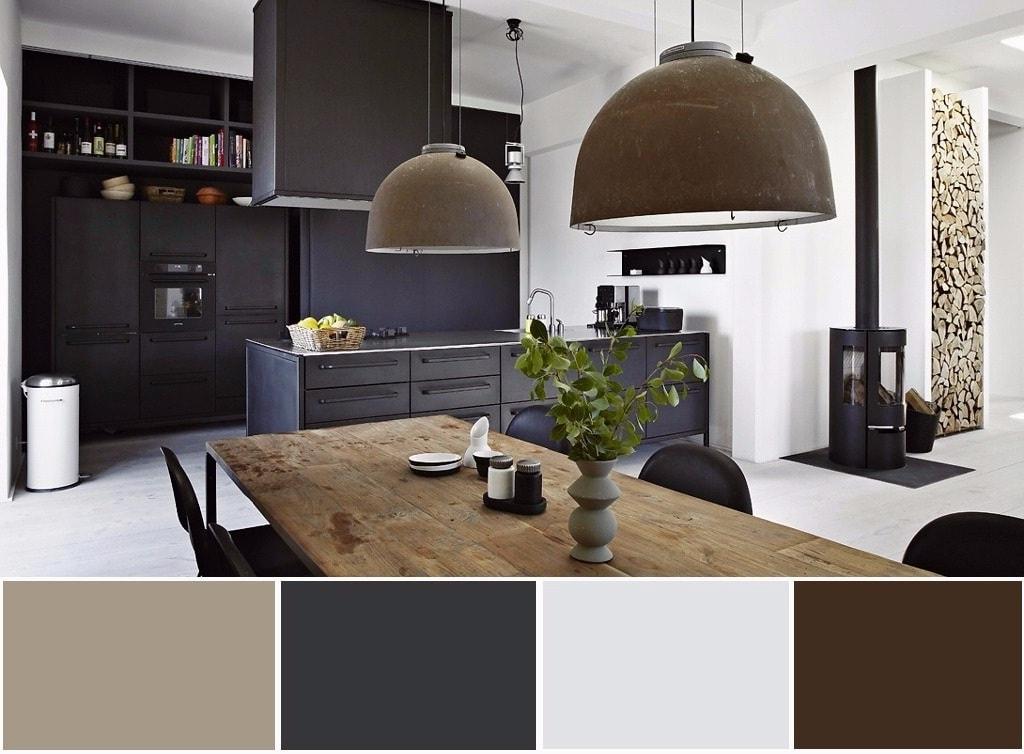 Un intérieur spectaculaire en noir et blanc s'harmonise avec le bois naturel.