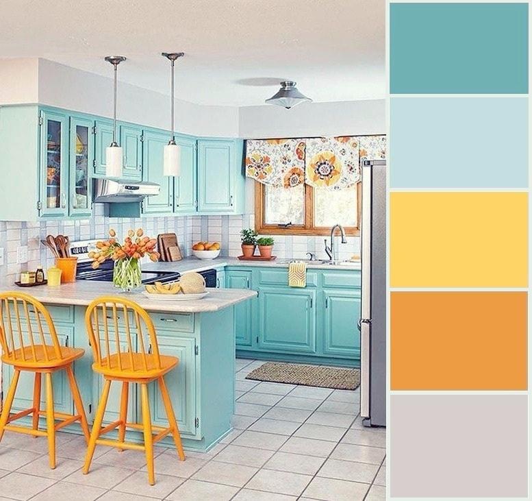 Spectaculaire cuisine de style classique avec l'ajout de couleurs vives et d'ornements