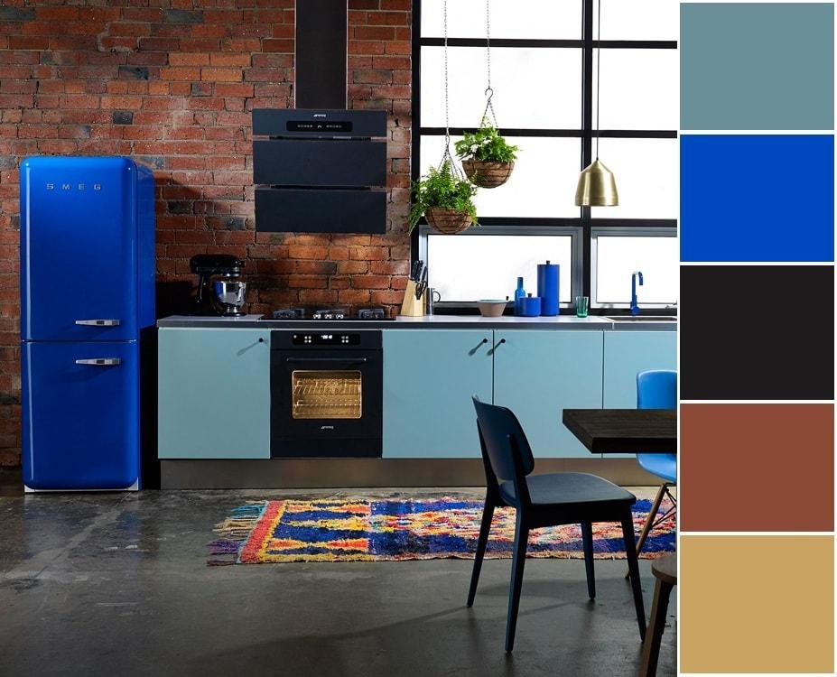Aménagement intérieur de cuisine de style loft sophistiqué et discret