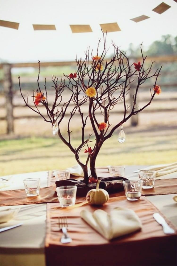 Такое дерево всегда найдет свое достойное место в украшении интерьера