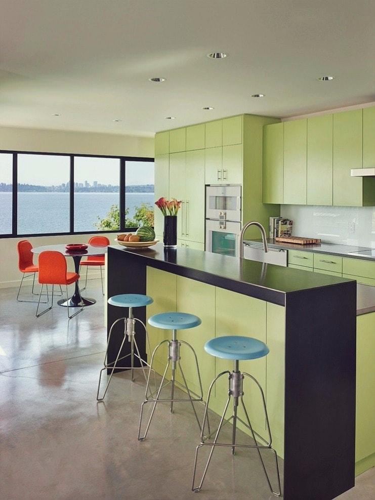 La délicate pistache fera bonne figure sur le plateau de la cuisine. Il donnera à l'intérieur un aspect élégant et festif.