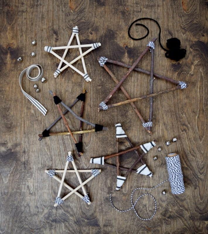 Пятиугольная звезда из веток изготовленная своими руками