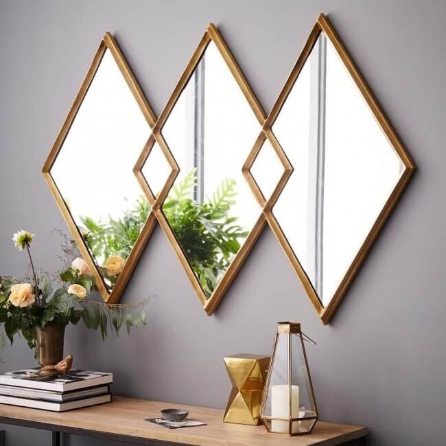 Miroirs en forme de losange avec cadres dorés