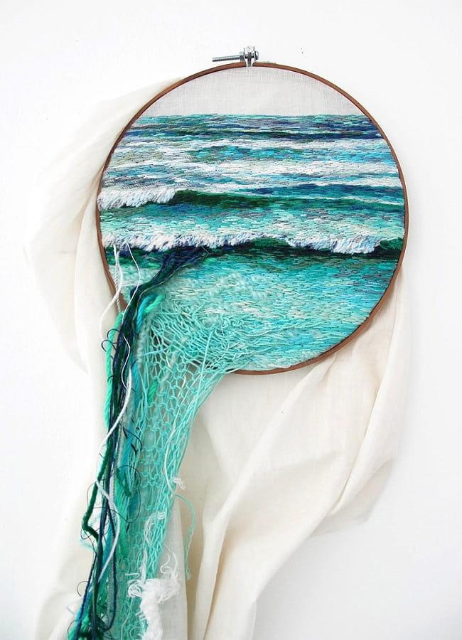 Необычная композиция морской тематики выполненная из шерстяных ниток