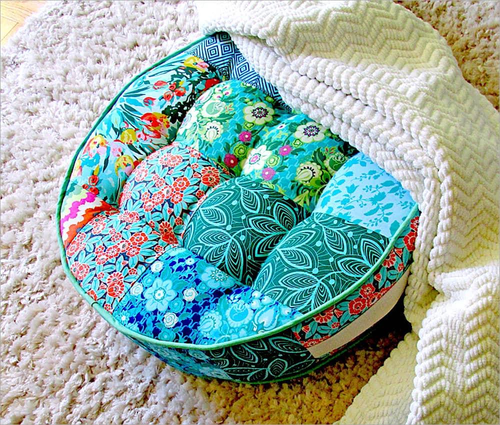Мягкий пуфик - важный элемент при оформлении детской комнаты