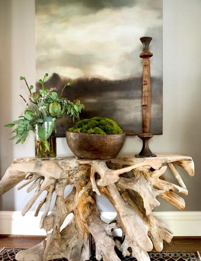Сделать своими руками стол из коряги непросто, понадобятся определенные навыки обращения с деревом и столярным инструментом