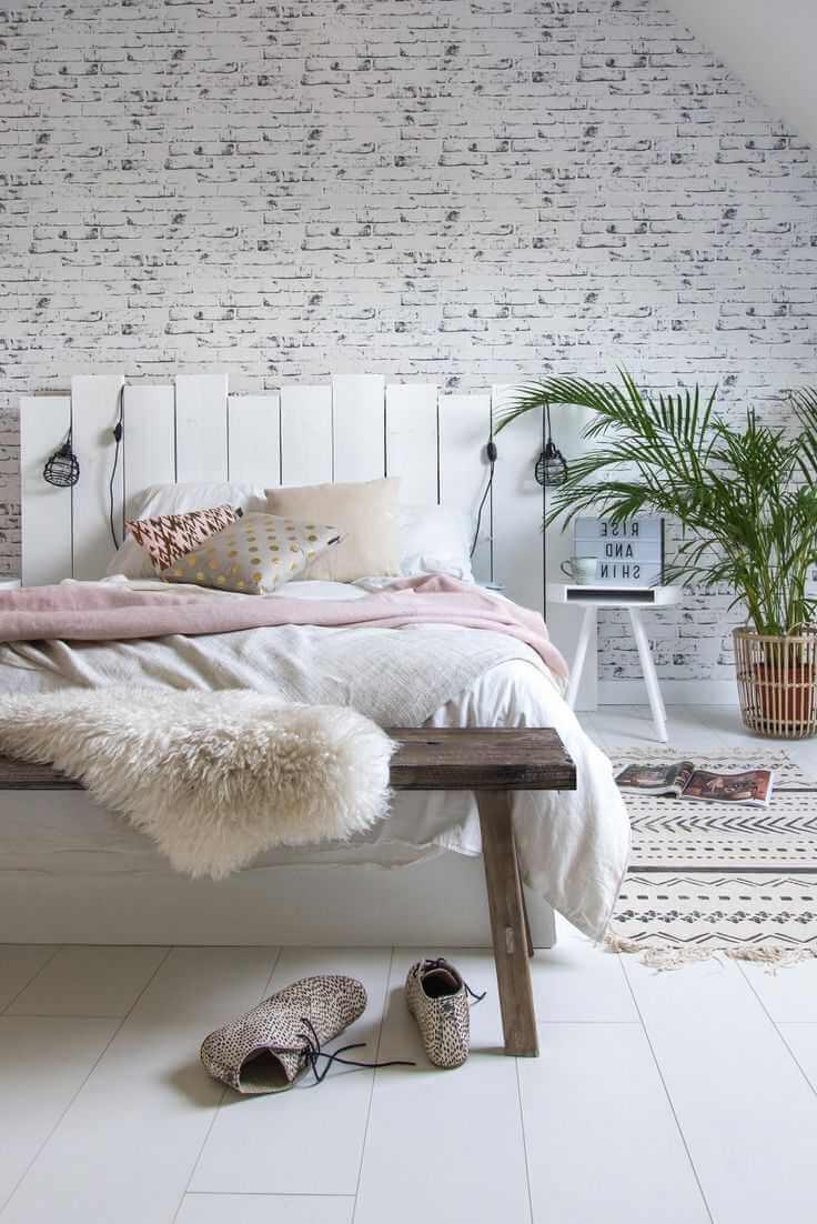 La fougère d'intérieur est le choix parfait pour la chambre à coucher