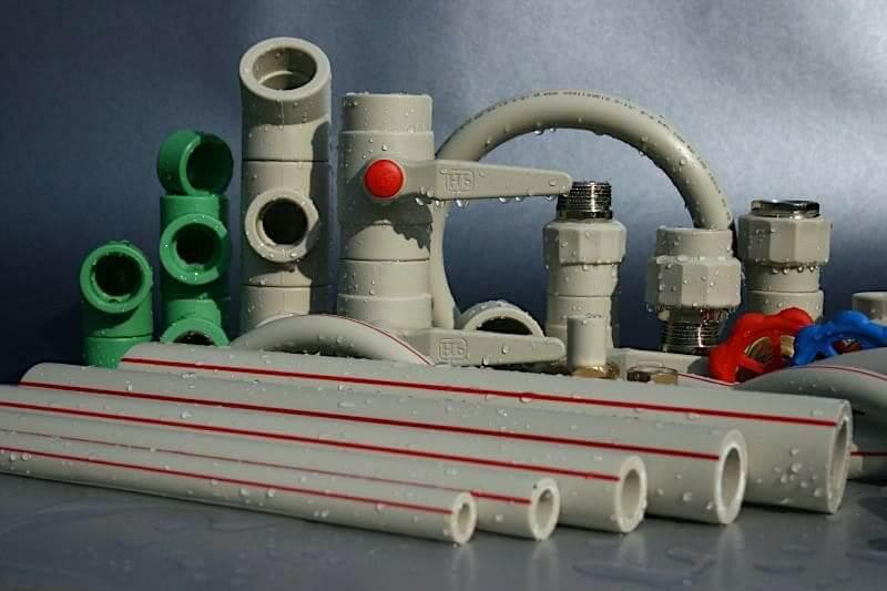 Les tuyaux en polypropylène sont capables de résister à une température du fluide caloporteur supérieure à 120° C.