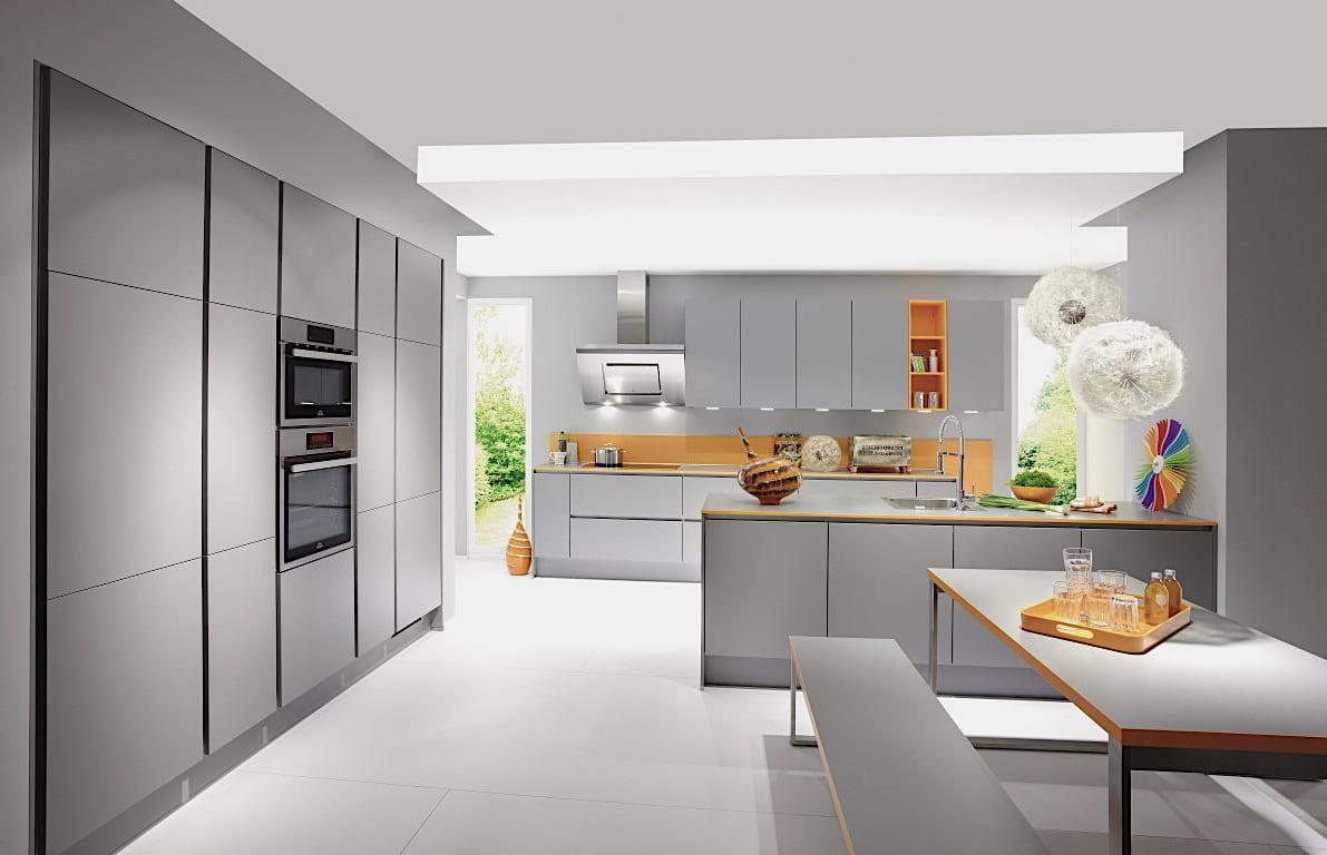 Un intérieur de cuisine gris dans des tons discrets est non seulement élégant, mais aussi très confortable.