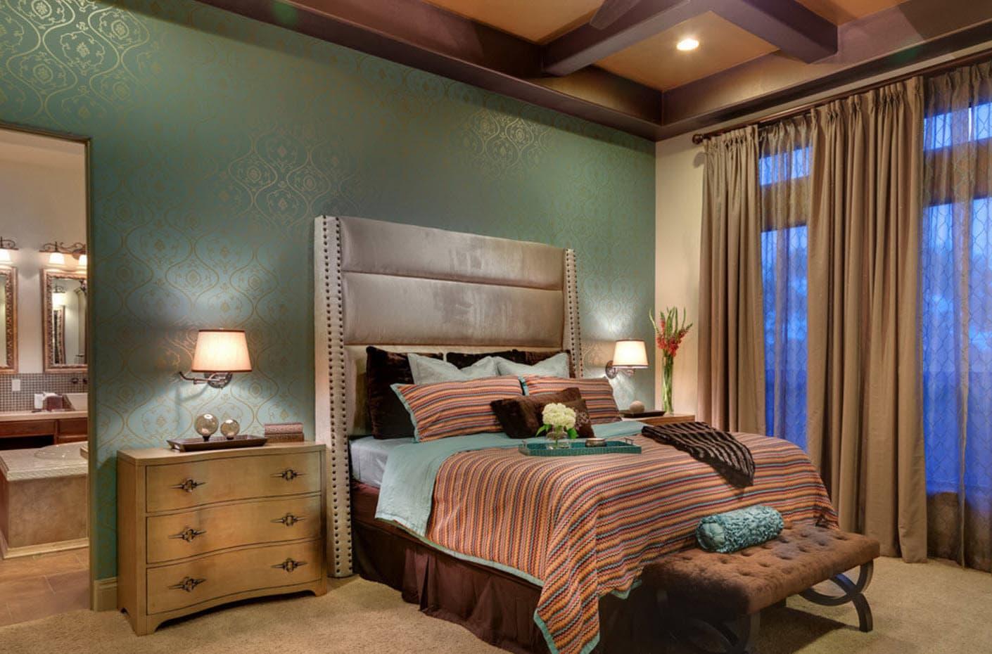 Disposant d'un tube d'obes magnifiques, il n'est pas difficile de créer un accent composite saisissant et le centre de la chambre à coucher.