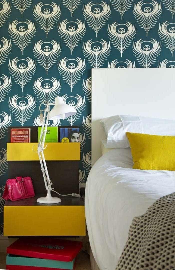Décoration murale exquise d'une chambre à coucher avec un papier peint vinyle lumineux