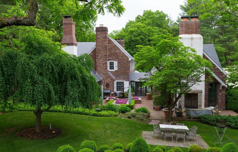 Les arbres aux couronnes luxuriantes sont le point fort des jardins anglais.