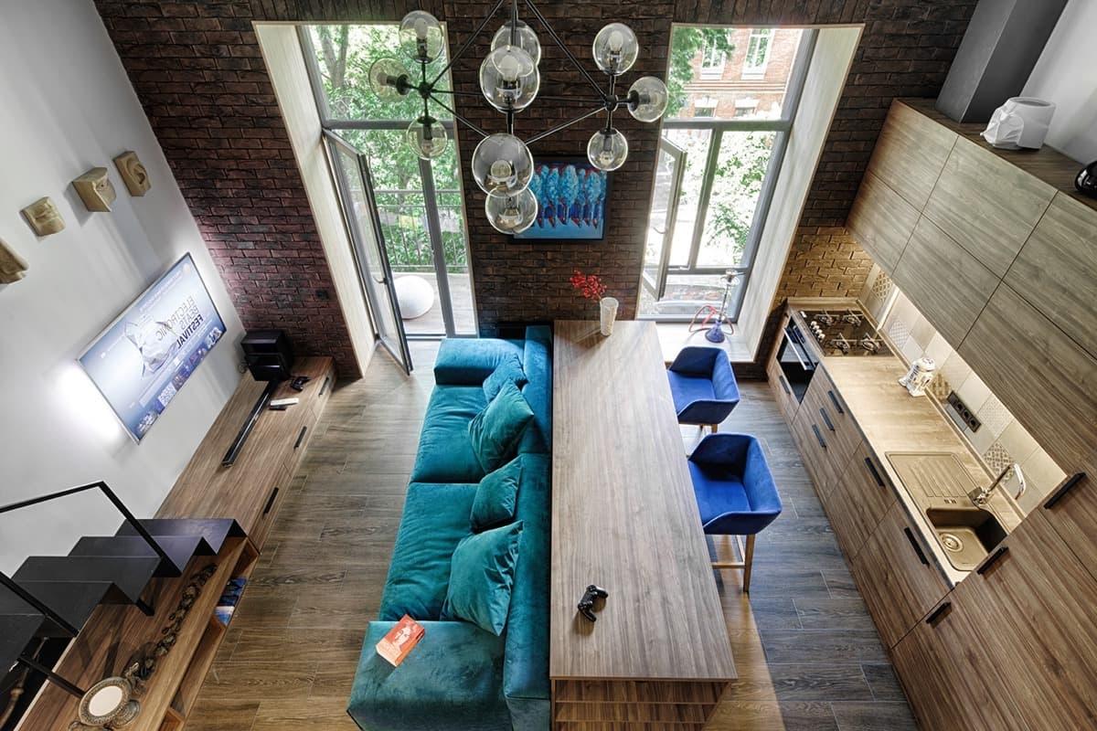Combinaison parfaite de la couleur du sol avec les couleurs des meubles