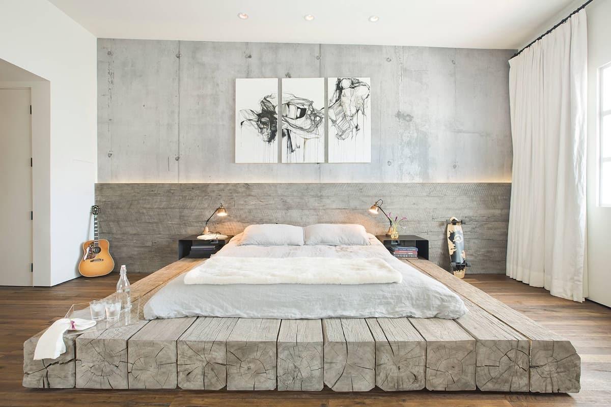 lit sur des blocs de bois