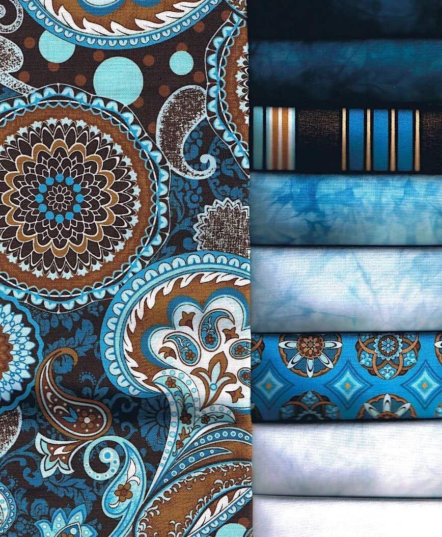 Le bon papier peint peut contribuer à mettre en valeur le style particulier de n'importe quelle pièce.
