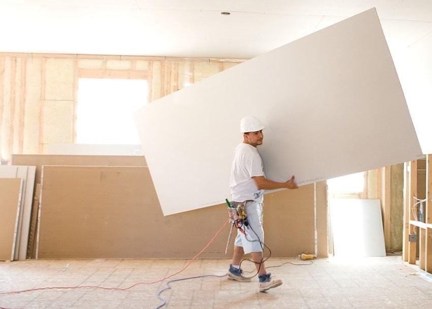 La rapidité de la finition et de l'isolation des murs avec des plaques de plâtre est beaucoup plus élevée que celle des autres produits équivalents.