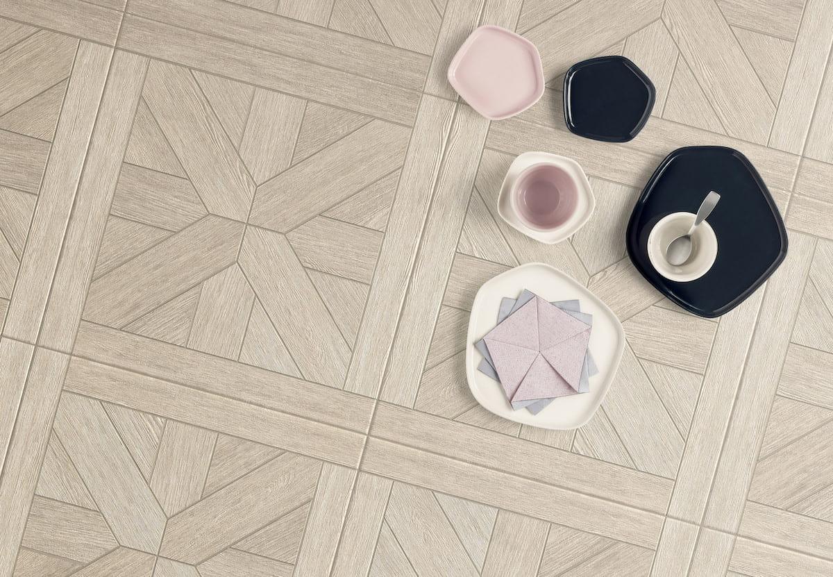 Carreaux en céramique sur le sol et les murs photo 12