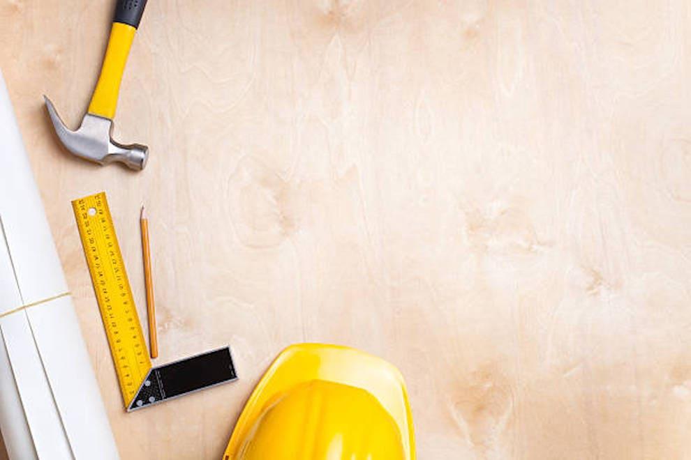 Travailler avec du contreplaqué est facile et simple, l'essentiel étant de respecter les règles de sécurité de base.